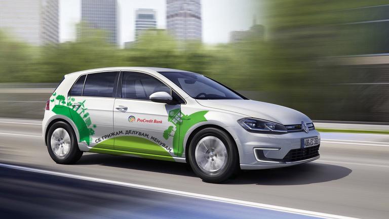 Volkswagen_e-Golf-13